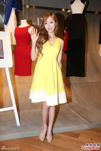 Girls' Generation's Jessica and her photos from the Denim Popup Store event in Hong Kong
