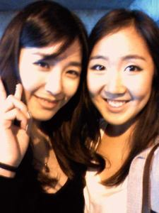 Girls' Generation's Tiffany and her photos with some Lucky fans in L.A.
