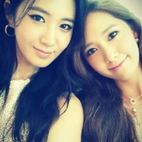 Girls' Generation's YoonA and Yuri posed for a stunning SelCa picture