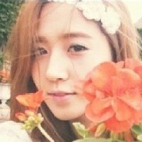 SNSD's Yuri is prettier than flowers in her new set of photos!