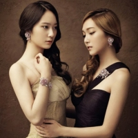 More of SNSD Jessica and f(x) Krystal's photos from 'STONEHENgE'