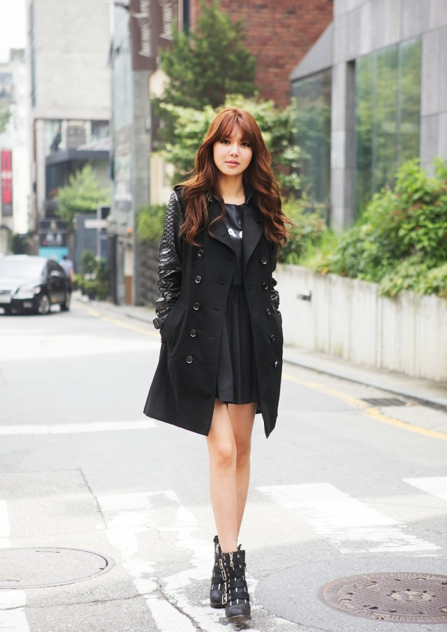 fdf68-snsdsooyoungburberry1