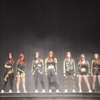 SNSD performed 'I got a Boy' and 'Dancing Queen' on KBS Open Concert's 1000th Episode