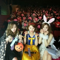 Check out Taeyeon, Tiffany and Seohyun's photo wearing their Halloween Costumes