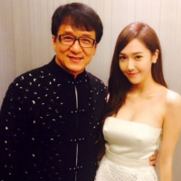 Girls' Generation's Jessica snapped a pair of photos with Jackie Chan!