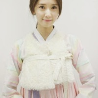 SNSD's YoonA is a pretty girl in her Hanbok!