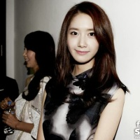 Check out SNSD YoonA's photos from the PressCon of 'Prime Minister and I'