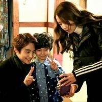 Check out SNSD YoonA's photos with SHINee's Minho at the set of 'Prime Minister and I'